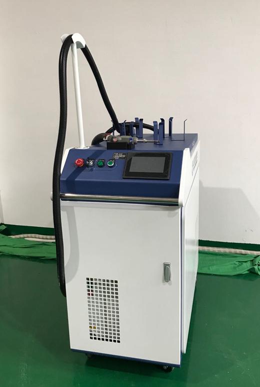 手持激光焊接机2