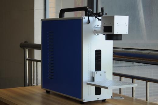小型激光打标机1